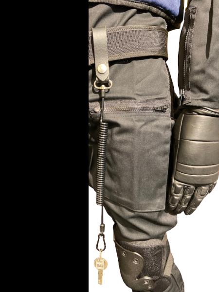 Sicherungskabel mit Karabiner und Gürtelschlaufe